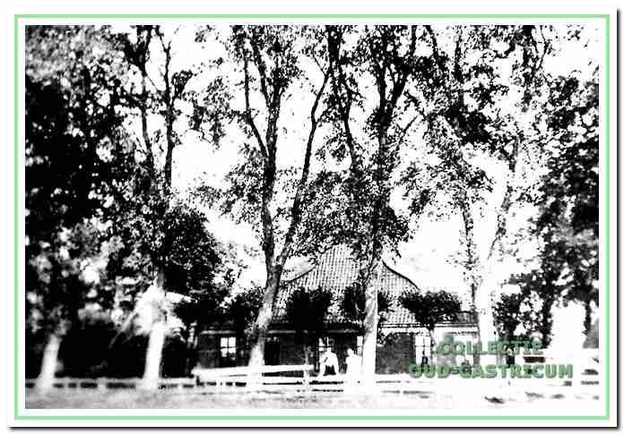 De boerderij van Piet Veldt, die in de oorlog werd gesloopt (nr 77).