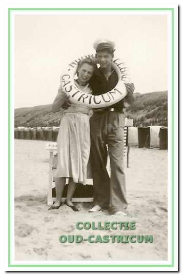 Verlovingsfoto van Thijs en Alie (1950).