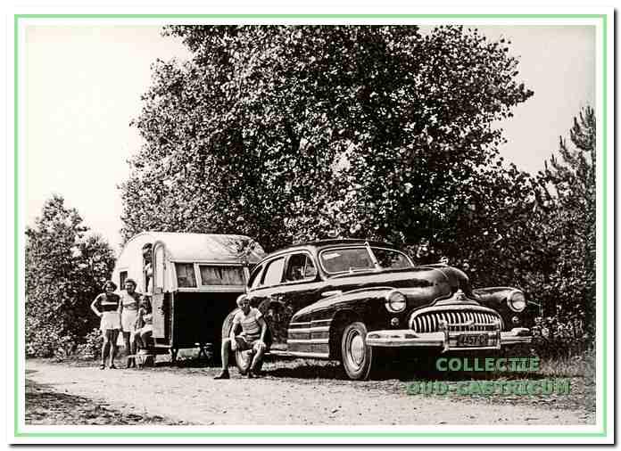 Een mobiele kampeerfamilie in 1950.