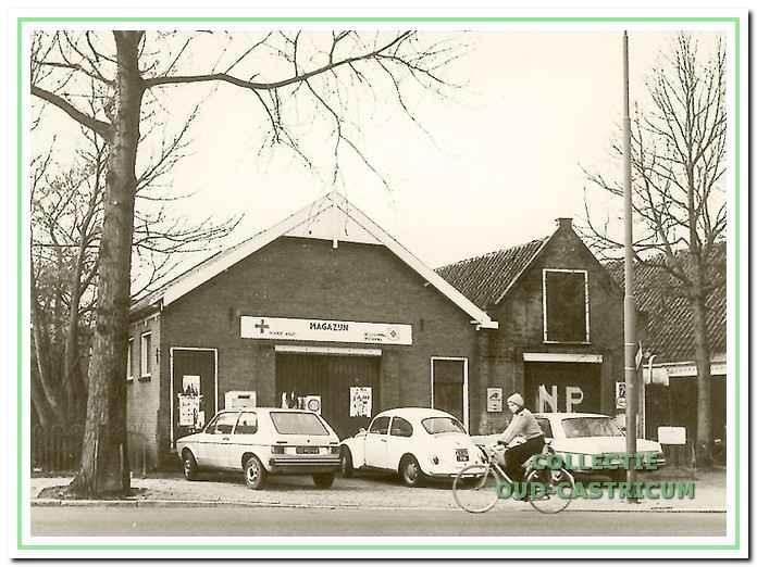 Het voormalige veilinggebouw aan de Dorpsstraat.