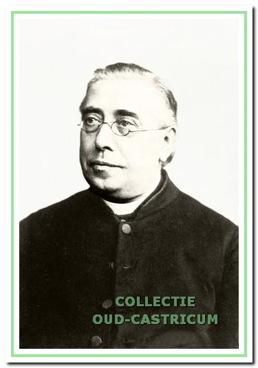 Herman Ruscheblatt, pastoor in Castricum van 1876 tot 1883, die niet alleen de kerkbouw voortvarend ter hand nam, maar ook de rooms-katholieke armenzorg beter organiseerde. Later was Ruscheblatt onder meer werkzaam als deken in Alkmaar.