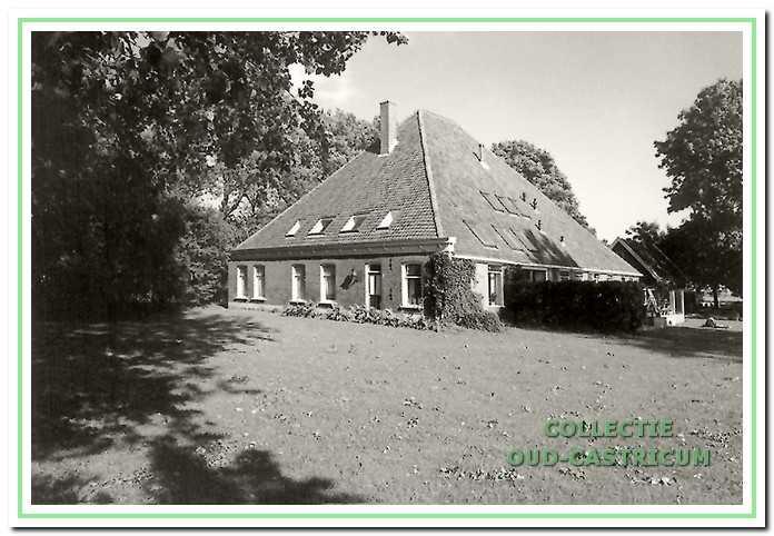De boerderij aan de Madeweg 2 in 2002.