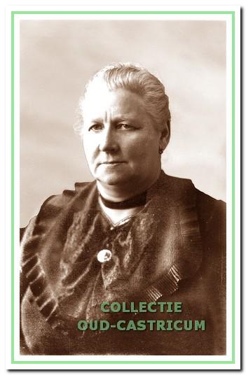 Guurtje Kuijs - Piepers (1879 - 1942) de eerste vrouw in de Castricumse gemeenteraad.
