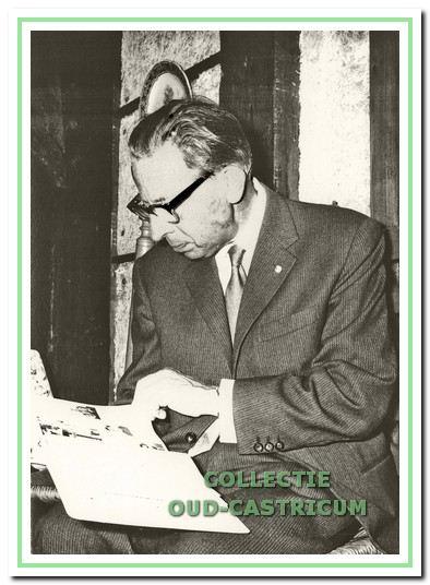 Stedenbouwkundige ir. Gouwetor (1903-1972). Hij ontwierp ook de woningen en de patiobungalows ten westen van het buurtwinkelcentrum Kooiplein.