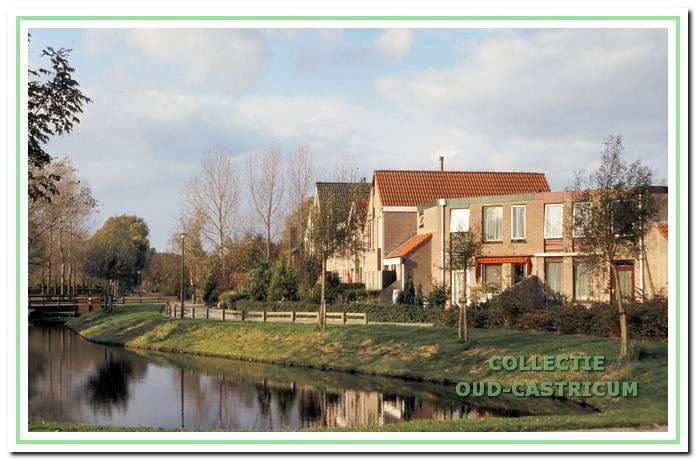 Woningen aan hel Tulpenveld in Kooiweg-Noord.