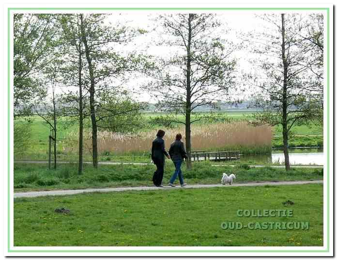 De parkstrook langs de wijk Albert's Hoeve vormt een mooie overgang naar de Castricummer polder.