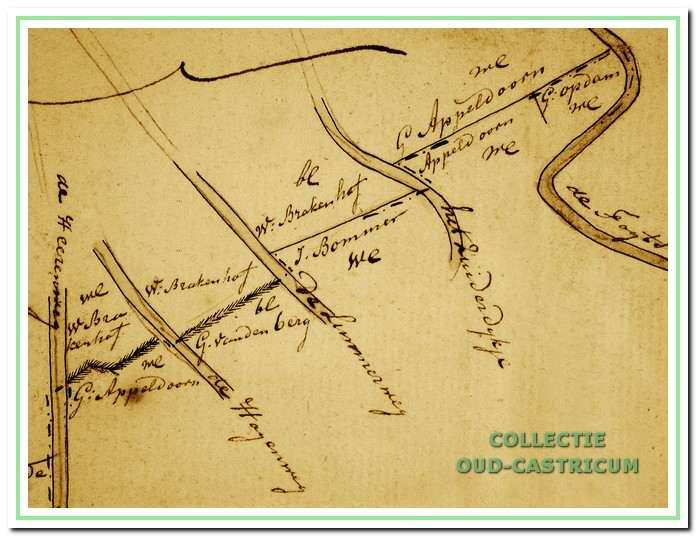 Detailkaart noordgrens van de Heereweg tot de grens met Heiloo. De noordgrens loopt vanaf de Heereweg in oostelijke richting naar de Tochtsloot op de grens met Heiloo, daarbij worden de perceelsgrenzen van de verschillende eigenaren aangehouden. Achtereenvolgens worden de Hoogeweg, de Limmerweg en het Zuiderdijkje gepasseerd.