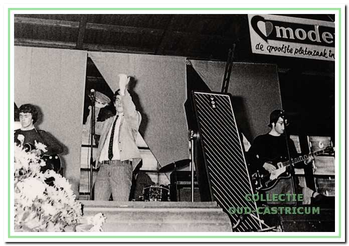 De Frogs waren ook weer van de partij op de 'Pop-show-'67' in de Hovor-hal.