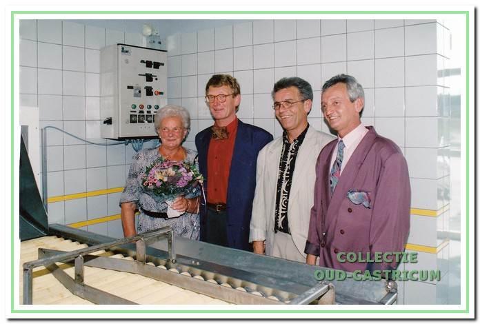 Opening van het pakhuis aan de Castricummerwerf in 1994.