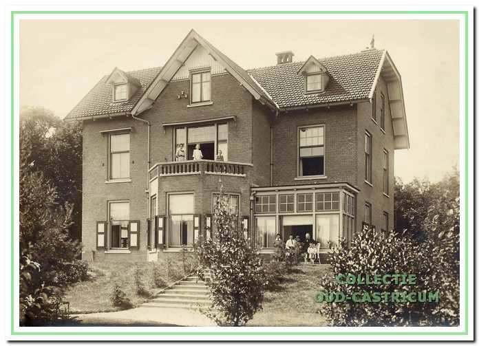 In april 1909 nam het gezin Jacobi hun intrek in de directeurswoning van het psychiatrisch ziekenhuis Duin en Bosch.