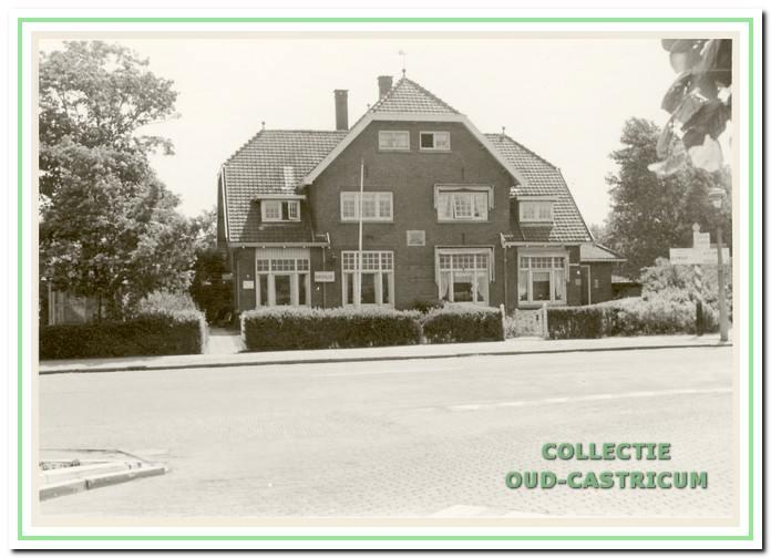 Het bureau van de Rijkspolitie was tot in de jaren (negentien)zestig gevestigd in de villa op het adres Dorpsstraat 1a.