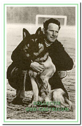 Hans Rook met zijn hond Erwald.