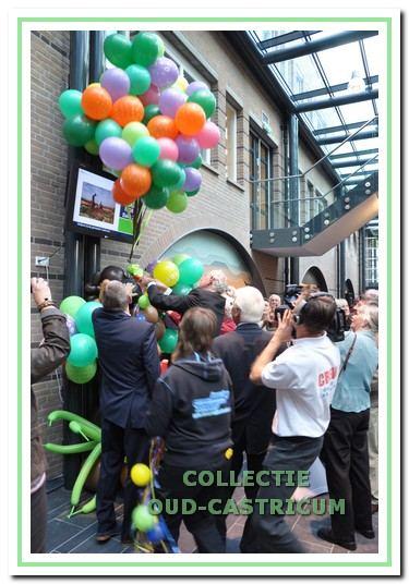 Officiële opening van het nieuwe raadhuis door Johan Remkes, commissaris van de koningin.