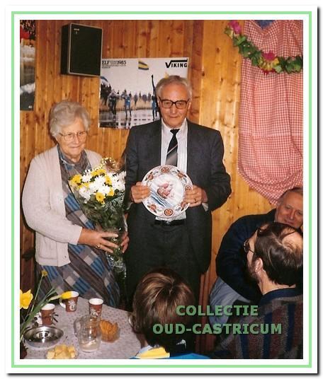 Begin 1986 werd afscheid genomen van Jan Zonneveld die meer dan 50 jaar actief was voor VKIJ.