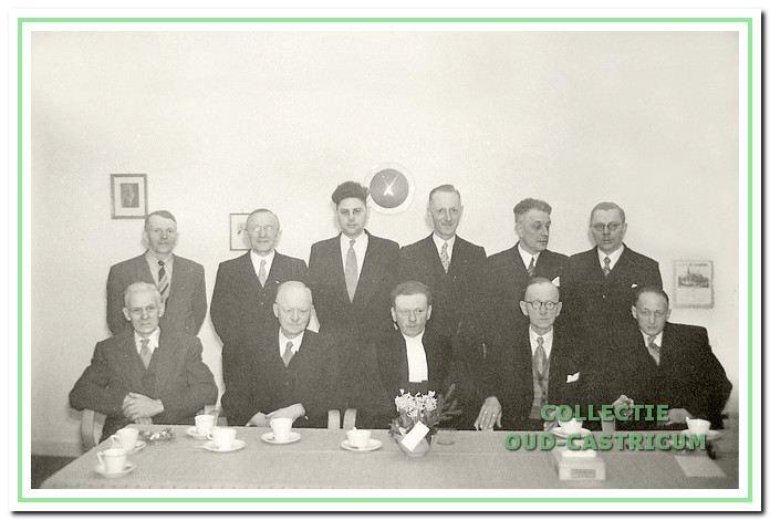 Kerkenraad en bouwcommissie december 1955.