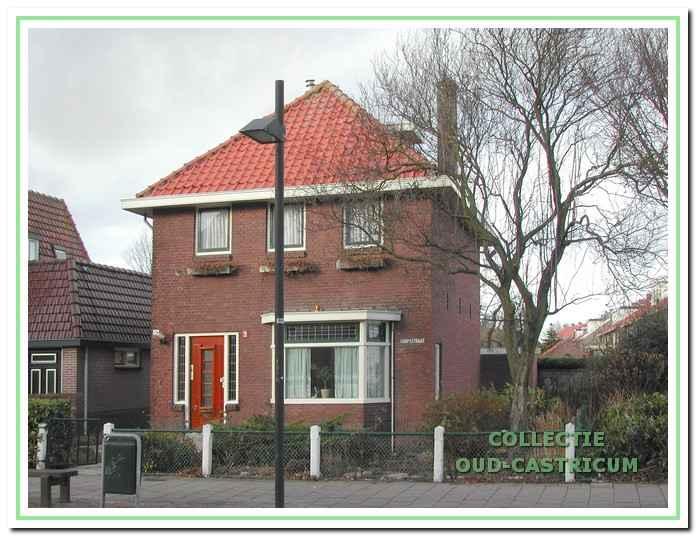 Het pand Dorpsstraat 108 in 2008.