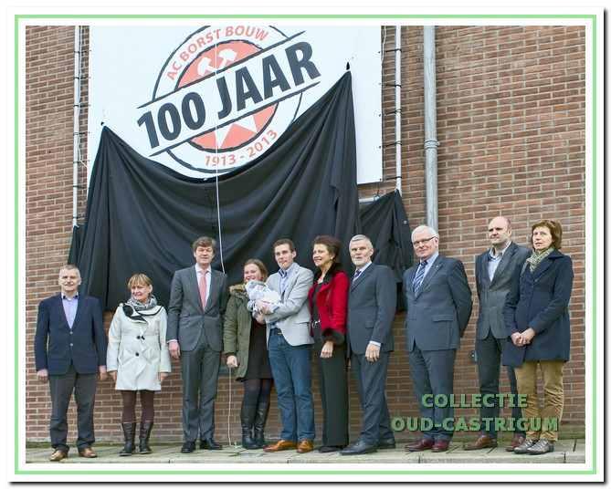 Bij de opening van het jubileumjaar op 11 januari 2013 onthulde burgemeester Mans het jubileumlogo aan de gevel van het kantoor van AC Borst Bouw.