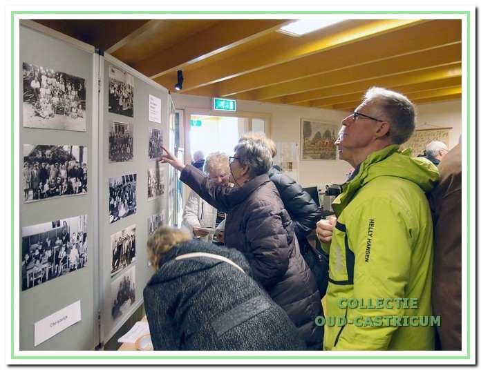 Veel belangstelling voor de tentoonstelling 'Het Lager Onderwijs in de jaren '50'.