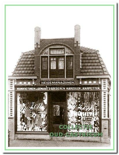 Het oorspronkelijke woon/winkelhuis dat Jan Hendrik Heideman in 1909 liet bouwen op de hoek Dorpsstraat-Schoolstraat, waar hij met enkele van zijn zonen een zaak begon in 'manufacturen en gemaakte-goederen, vloerzijlen en karpetten'.