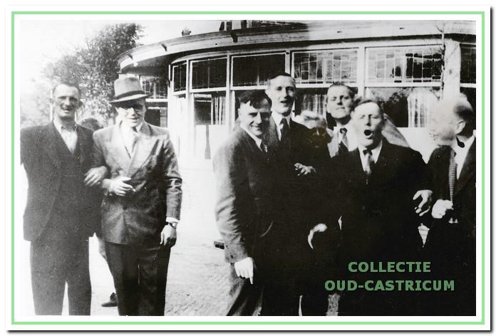 Bakkummer kermis in 1947 voor café Borst.