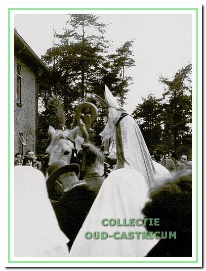 Wub van Weenen is vele jaren Sinterklaas geweest, in 1961 is hij ermee gestopt.