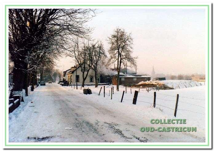 De veehouderij van Simon Poel in de sneeuw.