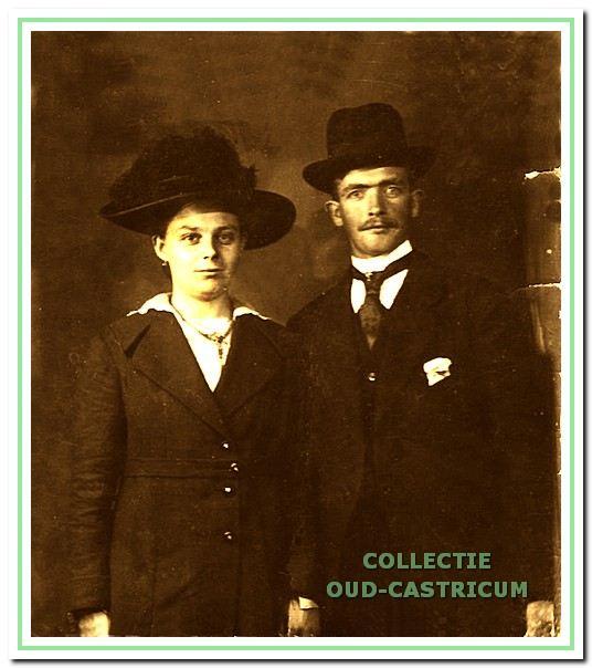 Het echtpaar Anton Verver en Maria Zuurbier woonde in huis nummer 51 vanaf 1919.