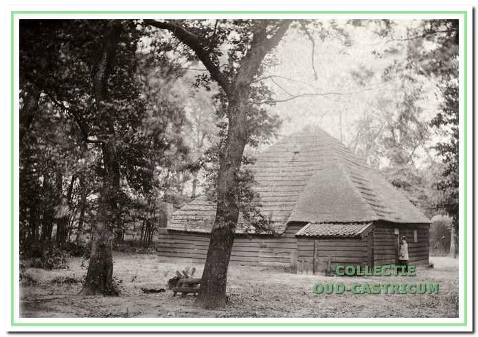 Een heel oude duinboerderij uit de 17e eeuw heet wel 't Oude Huis.