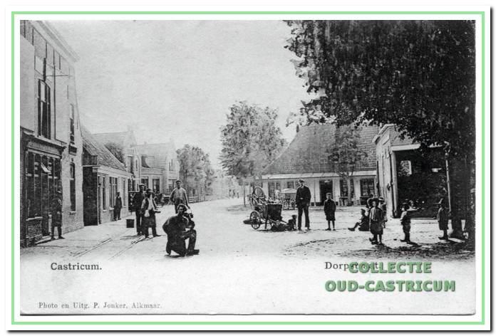 Bij de Kerkbuurt splitste de weg in de richting Egmond via de Torenstraat (oude naam Bakkummerweg) en via de Alkmaarderstraatweg (oude naam Soomerwegh) richting Limmen en Alkmaar
