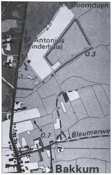 Overzichtskaart , met de Bleumerweg, het Jan Miessenlaantje en de totaal gewijzigde kavelstructuur van de gronden achter de duintjes.