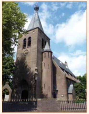 De Pancratiuskerk van Sloten gebouwd in 1900 is eveneens ontworpen door Stuyt. Deze kerk vertoont een opvallende gelijkenis met de kerk in Castricum.