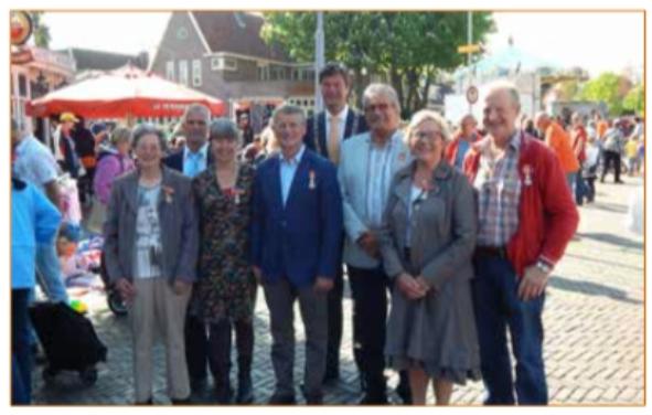 Door burgemeester Mans is een Koninklijke onderscheiding uitgereikt.