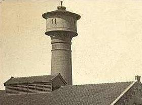 De uitvoering van de watertoren sinds 1936.