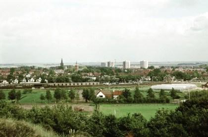 Het uitzicht vanaf de Papenberg rond 1970. Het opkomend groen zal later het uitzicht belemmeren