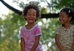 lachende meisjes