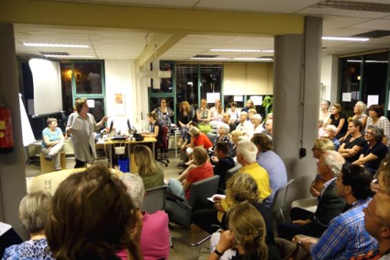 Gastspreker Janny Alberts, directeur NV Zeedijk over haar kijk op een gezonde buurteconomie handhaving en de rol voor de bewoner hierin.
