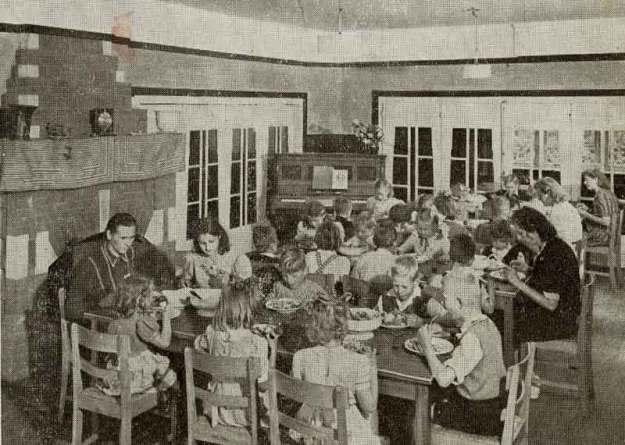 De eetzaal in de jaren 50