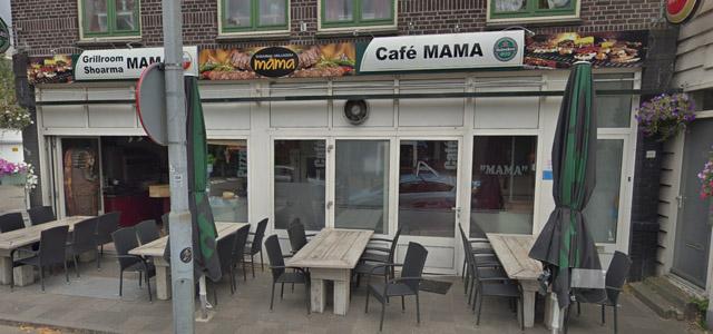 Live muziek bij café Mama op de Westzijde