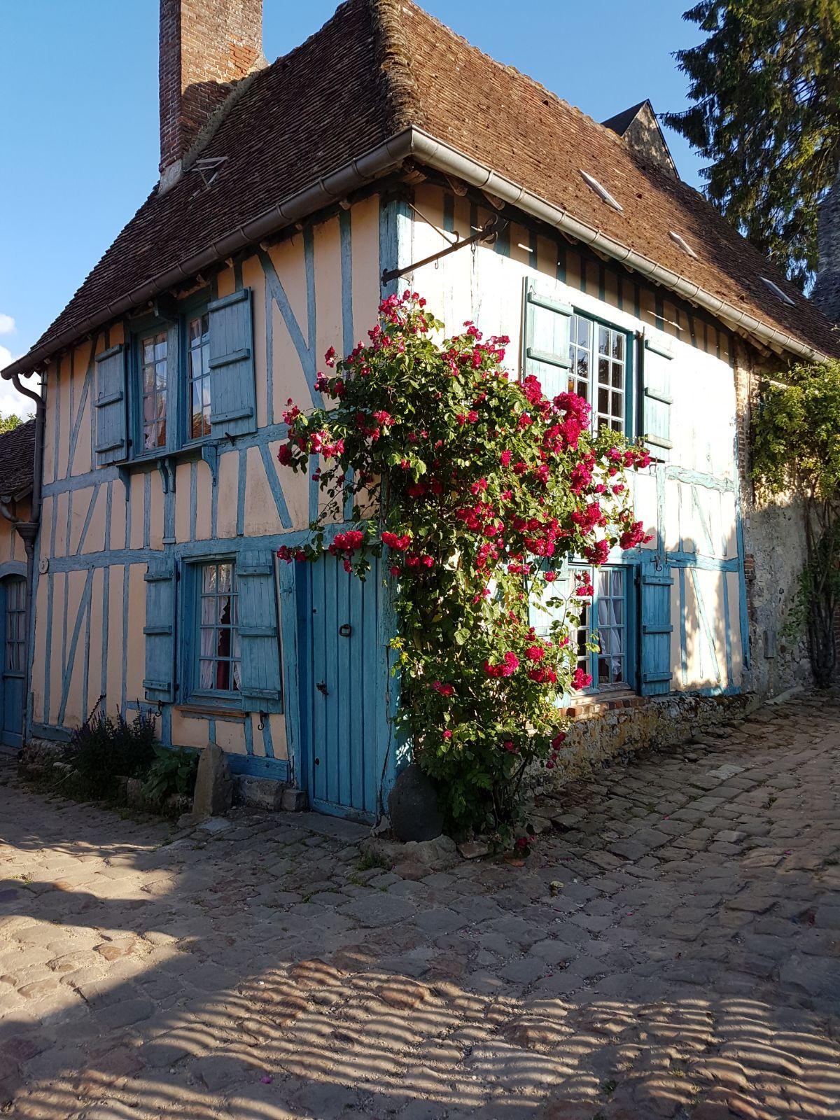 la maison bleue gerberoy ouest 2 paris
