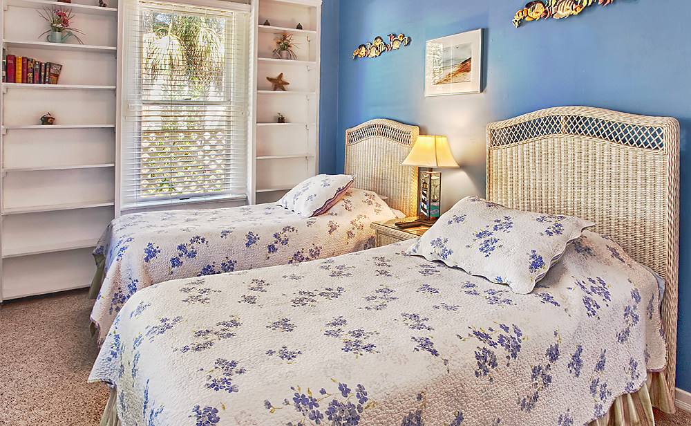Our Beach Cottage Twin beds
