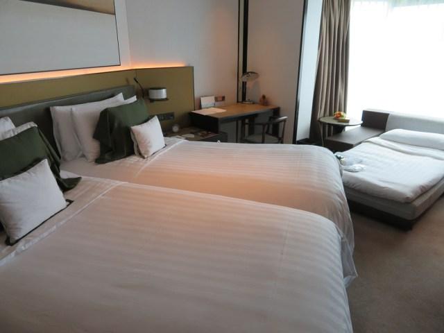 Shangri La twin deluxe room