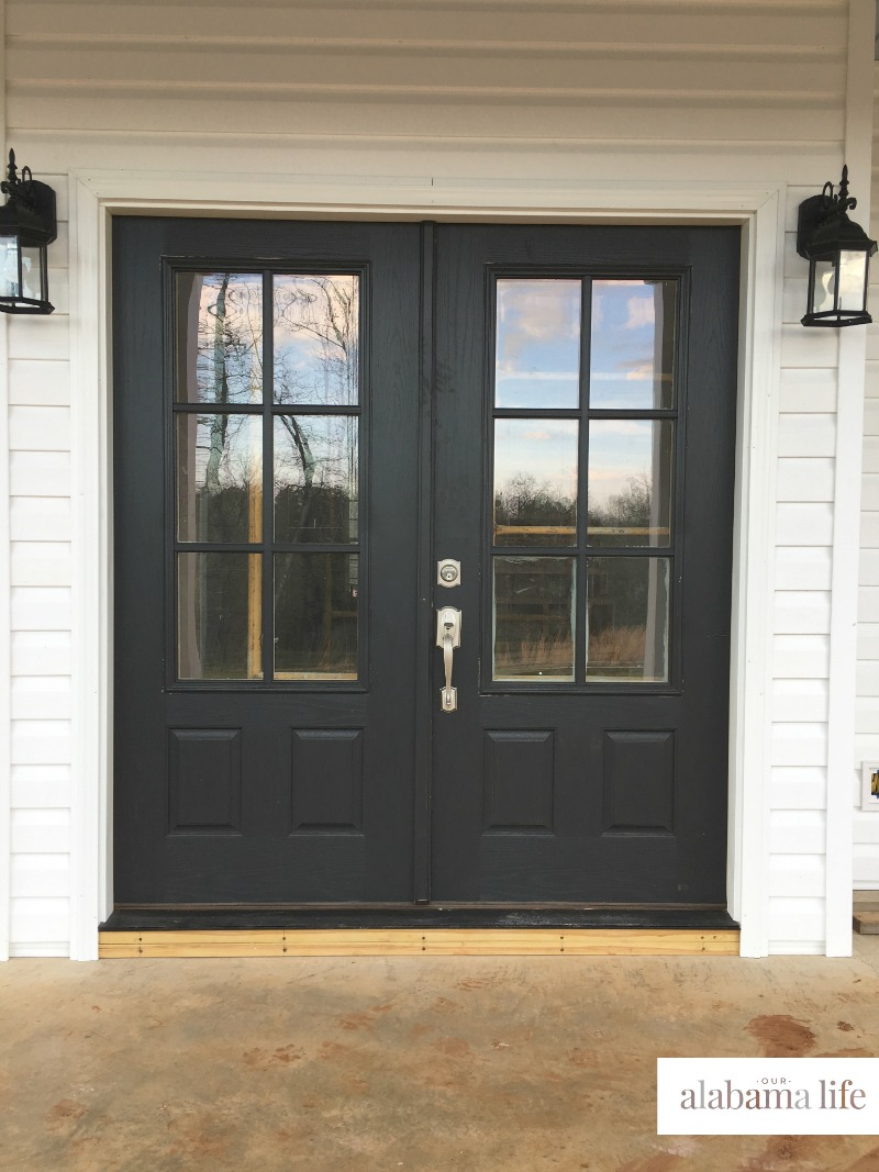 Farmhouse Door & 15 Beautiful Farmhouse Front Doors