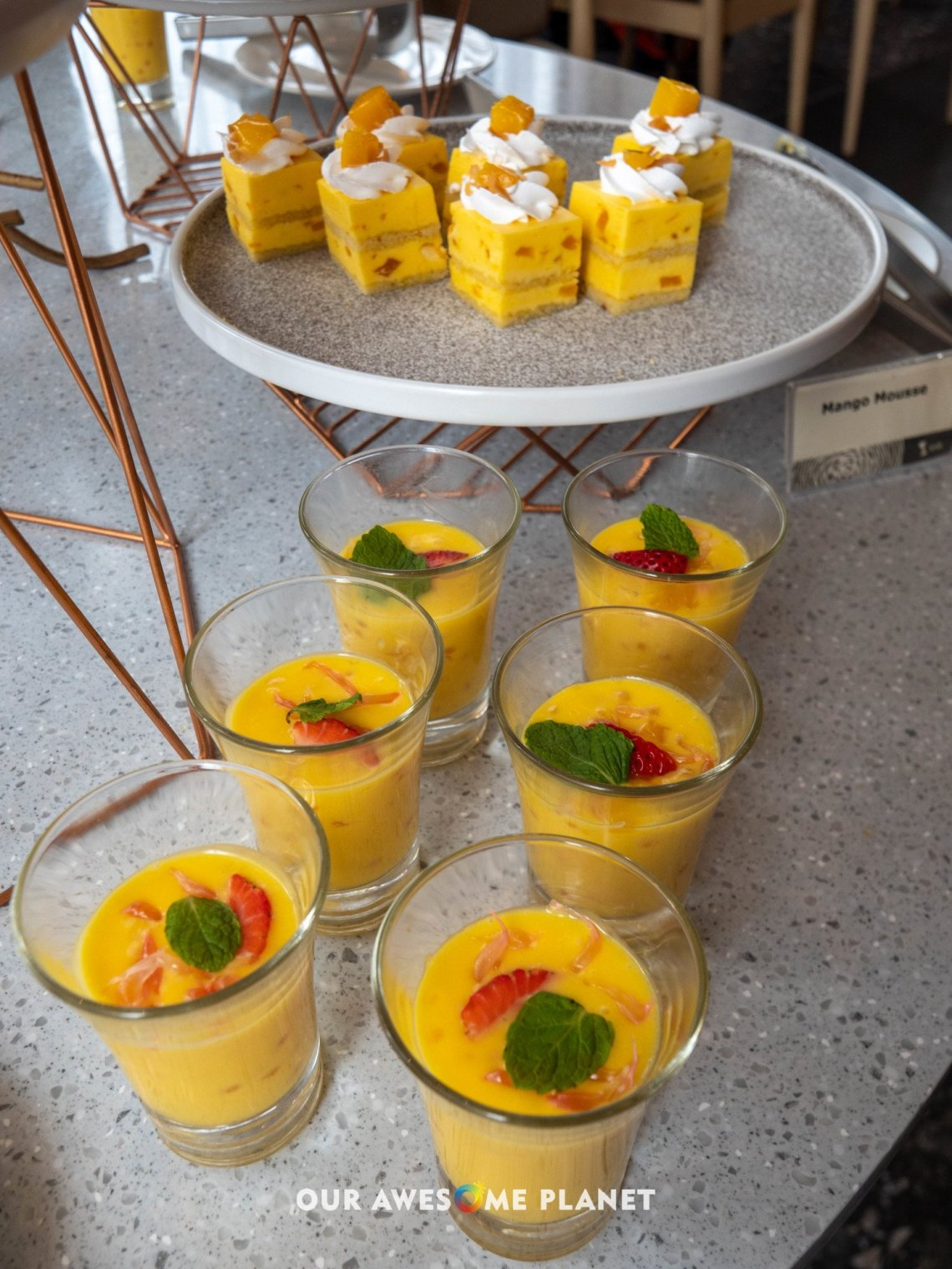Refreshing Sweetened Mango Puree and Sago Creamed with Pomelo
