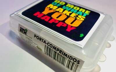 Porta Comprimido com clip grande novidade no Brasil, muito útil no seu dia a dia, muito útil para viajem e levar para o trabalho ou academia.