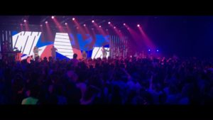 Hillsong Young & Free – Falling Into You