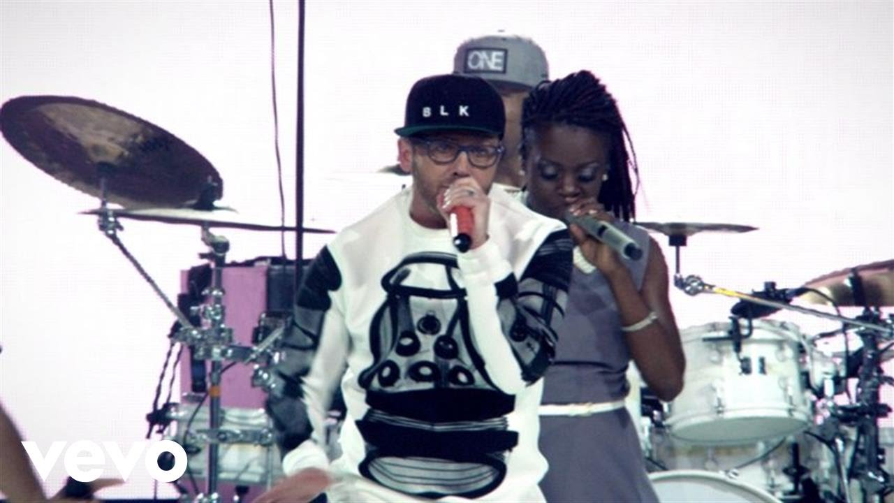 TobyMac – Backseat Driver (Live) ft. Hollyn