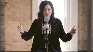 Oh The Power // Kari Jobe // New Song Cafe