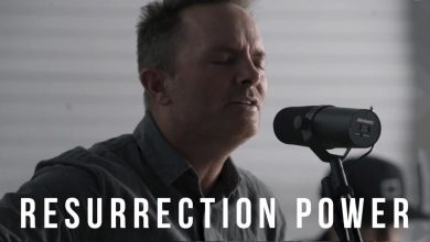 Photo of Resurrection Power // Chris Tomlin // New Song Cafe