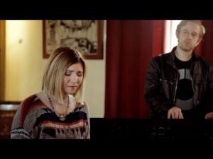 Jesus Culture (Kim Walker – Smith)  // Show Me Your Glory // New Song Cafe