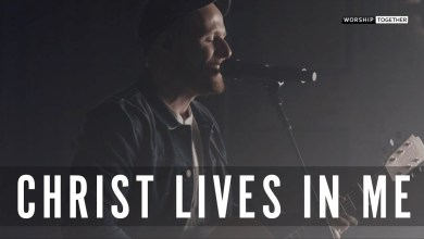 Photo of Christ Lives In Me // Rend Collective // New Song Cafe